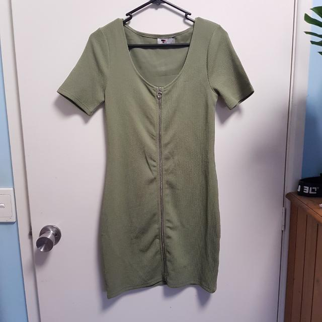 Temt Dress Size Small