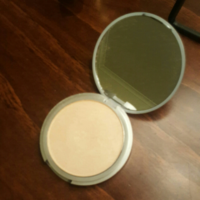 The Balm - Mary-Lou Manager Powder Highlighter