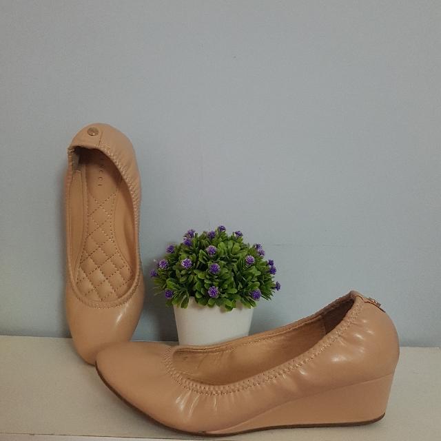 Vincci Nude Shoes