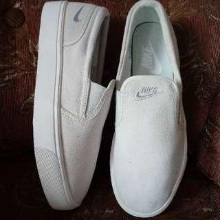 Authentic Nike Toki Slip On