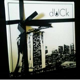 The Singapore duckscarves