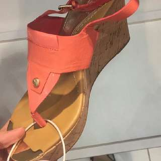 Authentic Guess Wedges