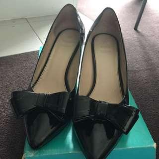 Size 8-8.5 Katie Judith heels