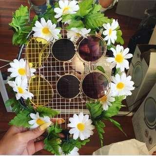 DIY sunglasses/jewelry hanger