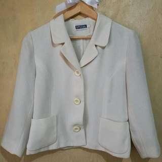Off white 3-button office blazer