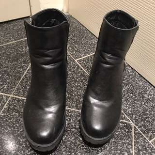 Black ankle boots size 8