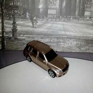 Maisto Mercedes-Benz GLK-Class Fresh Metal Diecast Toy Model Car