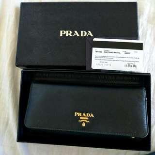 price drop!! urgent sell. Authentic prada wallet