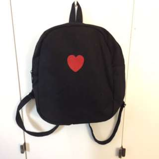 Black heart cute mini backpack