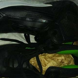 Sepatu Basket No.44