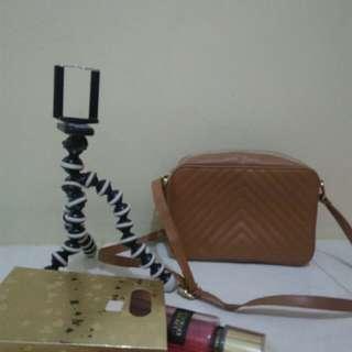 sling bag merk MAYONETTE