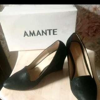 Sepatu Wedges Amante