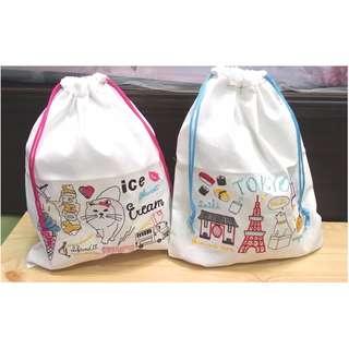 🚚 白色棉布刺繡束口袋 日本帶回 旅行的好夥伴,單個出售