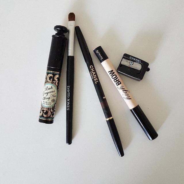 1. Chanel Precision Eye Definer 99 2. Benefit High Brow 3. Maybelline Color Tattoo 95 Chocolate Suede 4. David Jones Eyeshadow Brush 5. Waterproof Mascara