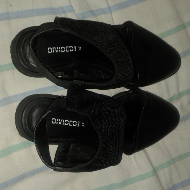 Authentic H N M Sandals