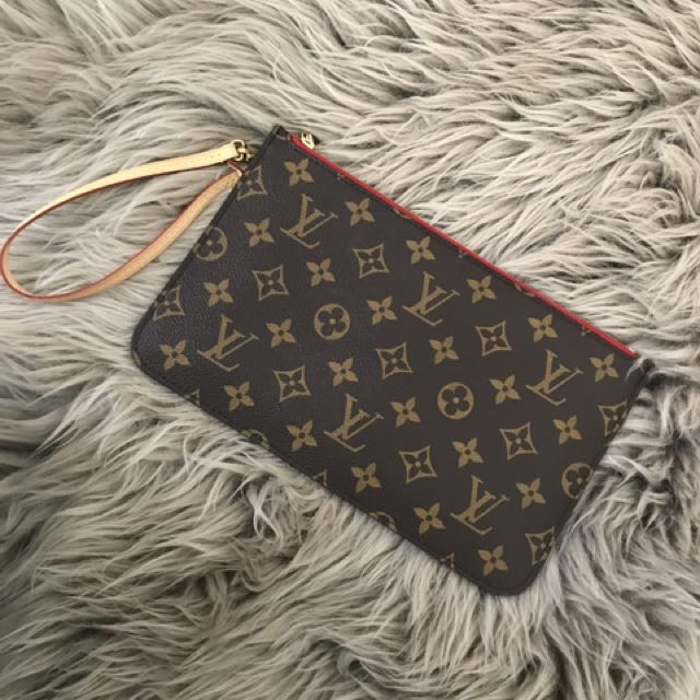 Brand New Louis Vuitton Neverfull MM Clutch
