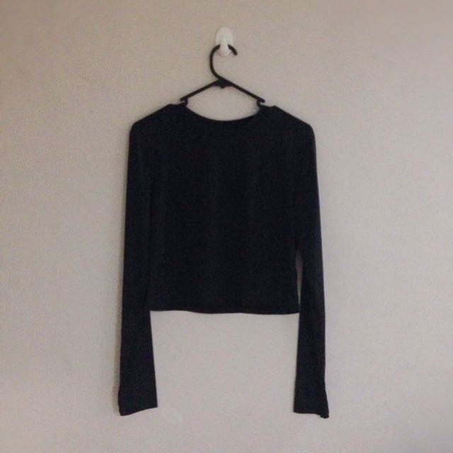 H&M Black Long Sleeved Crop Top