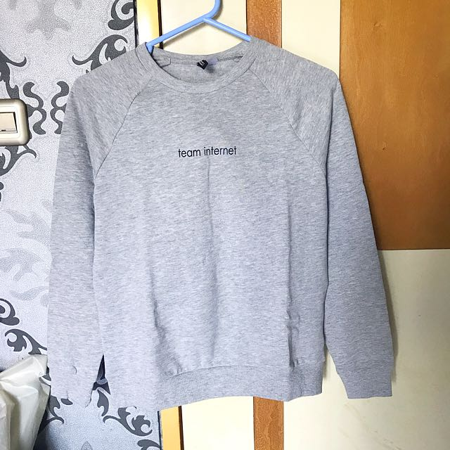 H&M women grey sweater