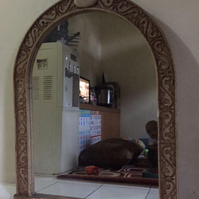 Kaca cermin lis ukir keramik