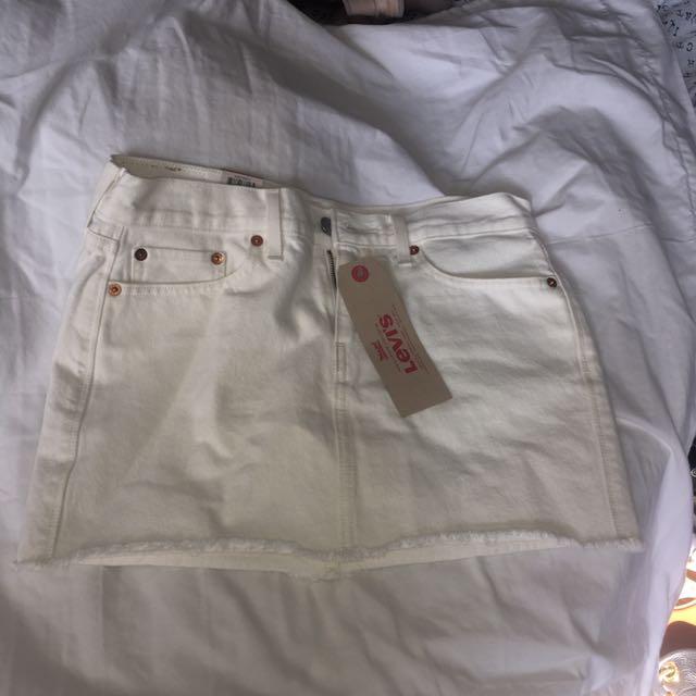 Levi's white jean skirt