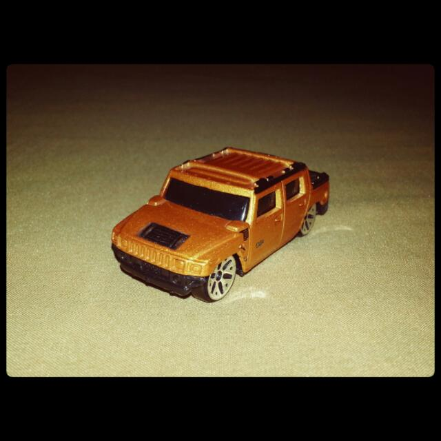 Maisto Hummer H2 Concept Miniature Toy Car