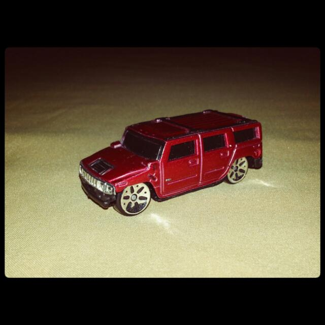 Maisto Hummer H2 Miniature Toy Car