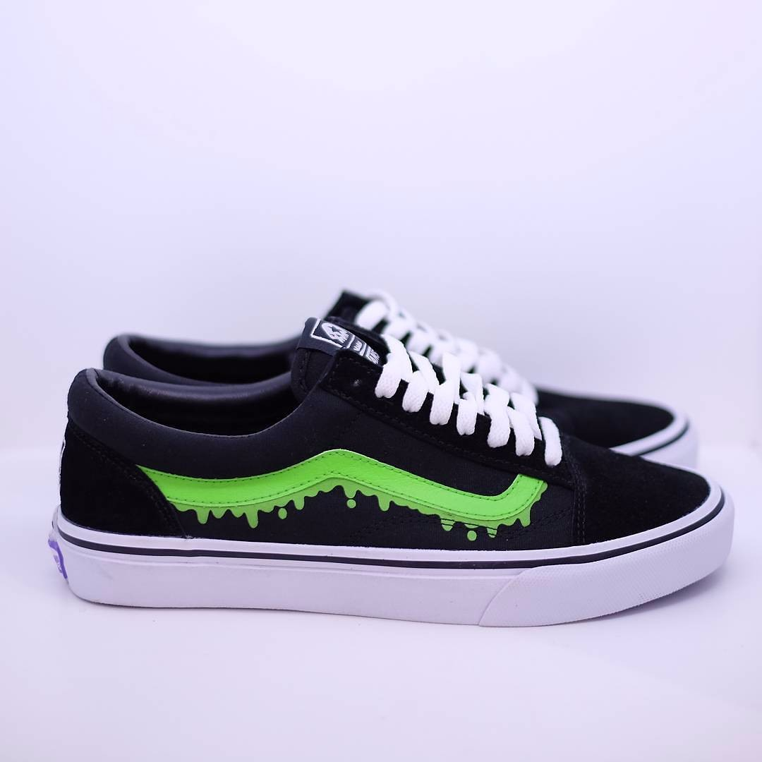 addb4ab551b5ec MxMxM x Vans Magical Mosh Misfits Black Old Skool Black and Green ...