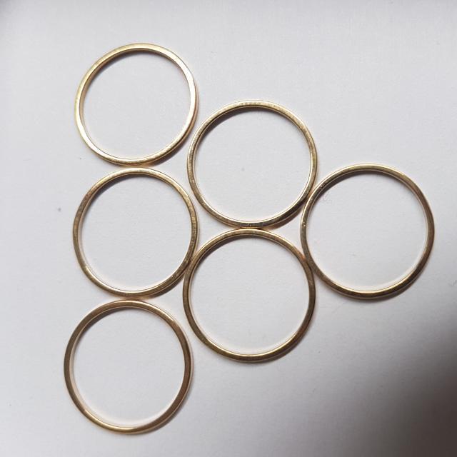 plain gold coloured ring