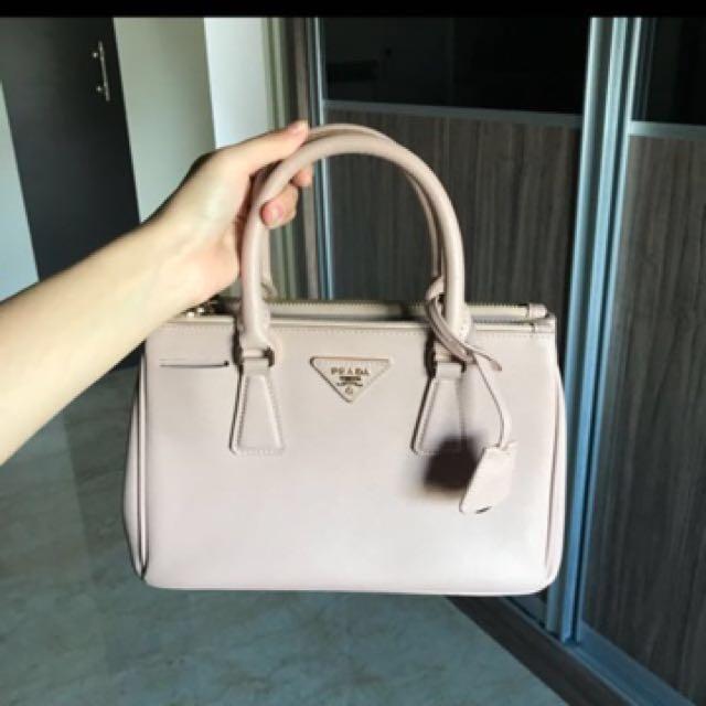 ... australia prada bag authentic barangan mewah beg dan dompet di  carousell 1f1f4 aecf7 0fed05bf05