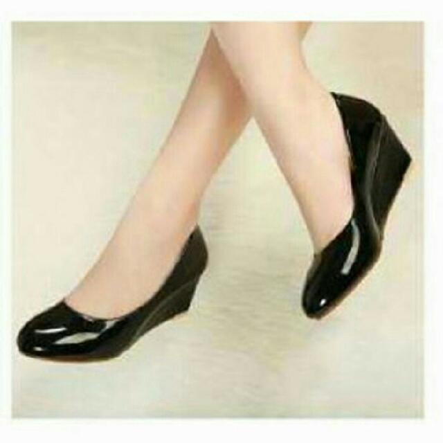 Sepatu Wedges JA08