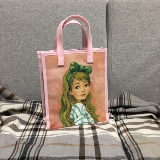Young lady - little bag