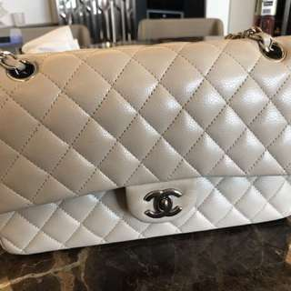 Chanel classic 25