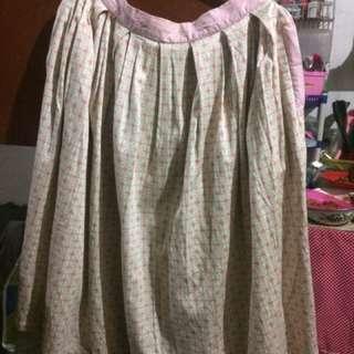 rok midi bunga2 merek gaudi