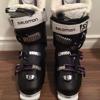 Womens Ski Boots + Boot Bag