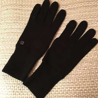 Lululemon Mantra Gloves