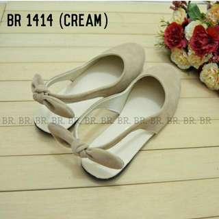 Sepatu Sandal Wanita Cute Cream