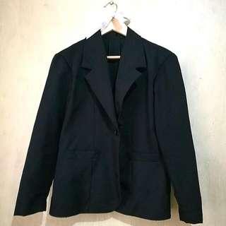 Black offce one-button blazer