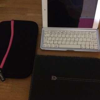 iPad Mini 1 w/ keyboard