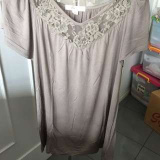Brown lace top •forever21•