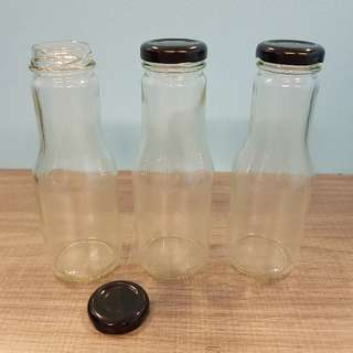 Brand New 250ml Glass Bottles with Metal Cap