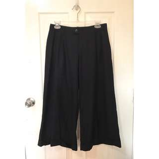 Barely Used Unbranded black culottes