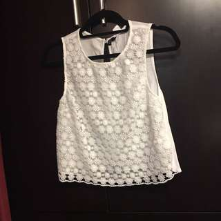 H&M lovely white embroidered top