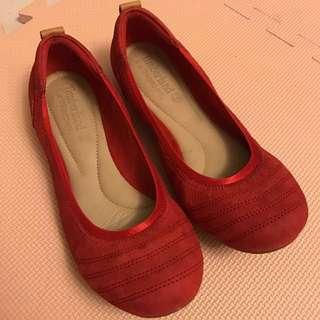 Timberland紅色娃娃鞋