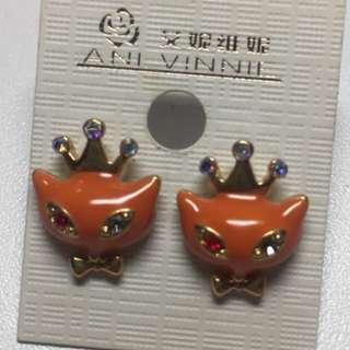 Cat princess earrings