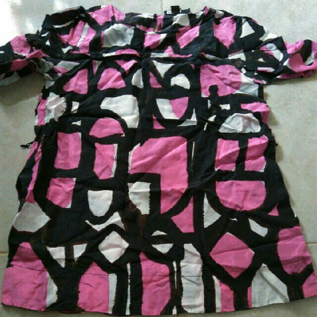 Baju DKNY