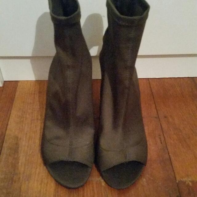 Bardot Open Sock Fit Boots Khaki Green Size 7