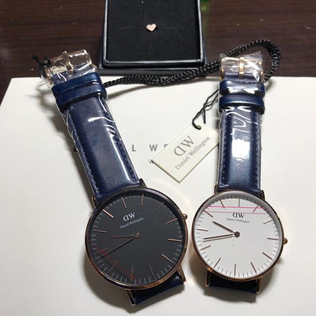 買兩隻贈送臻心扣Dw手錶。dw錶 藍皮帶 男款女款 白底黑底