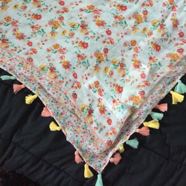 flower tassel scarf stradivarius
