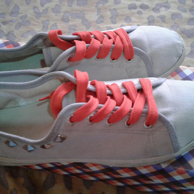 Gray And Red Shoes With Studs - Sneakers Kicks