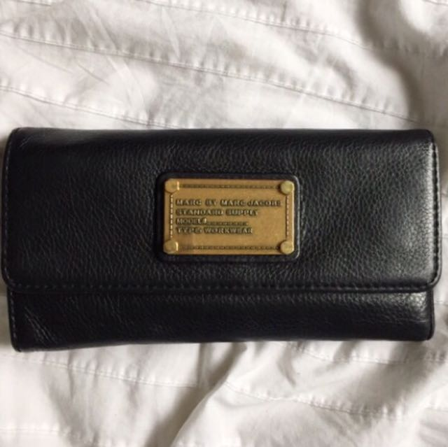 Marc by Marc Jacobs black leather trifold wallet